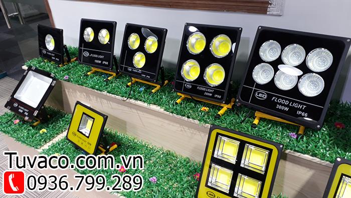 mua đèn led chiếu sáng trên toàn quốc