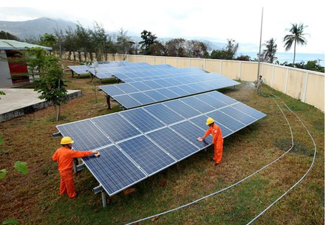 lắp điện năng lượng mặt trời nên hay không