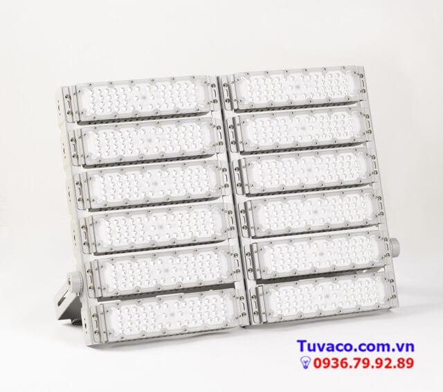 Phối phối đèn led giá sỉ của Tuvaco
